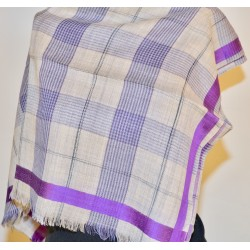 Scarf: 90% Wool - 10% Silk
