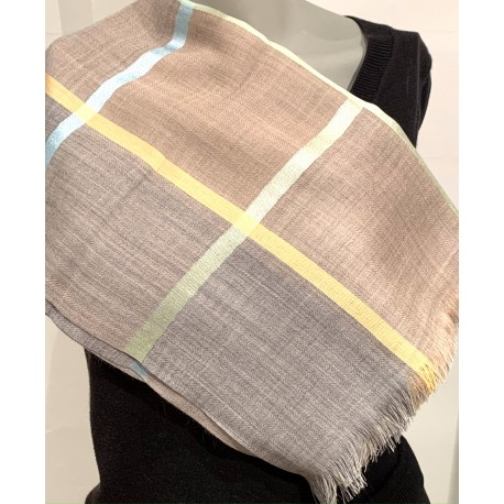 Scarf: 50% Wool - 50% Silk