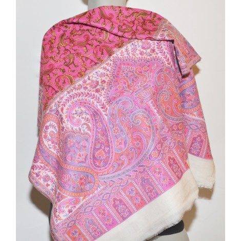 Shawl Embroidered: 100% Wool