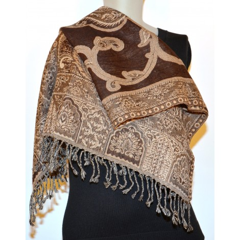 Shawl: 100% Wool